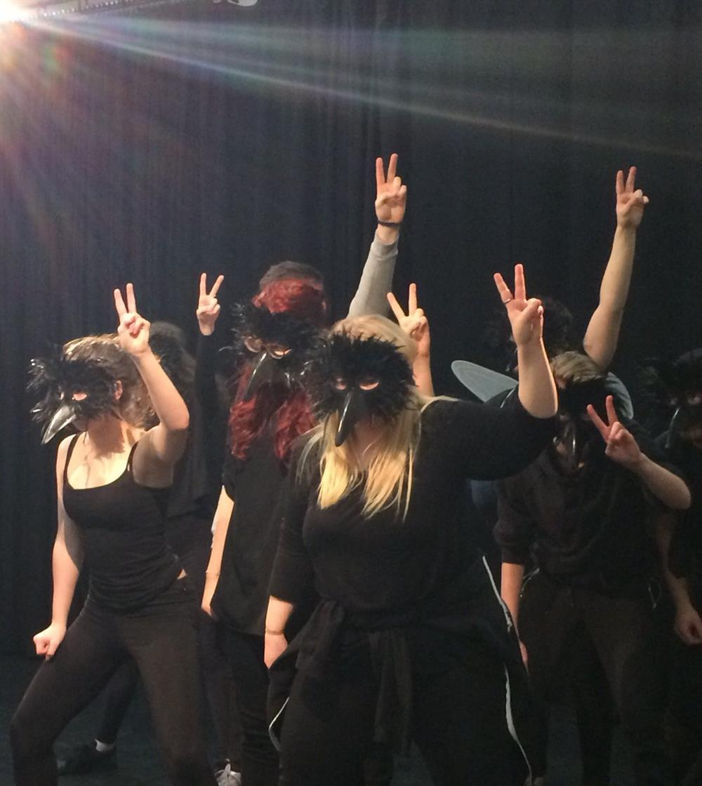 Performing arts students depicted the darker side of being online